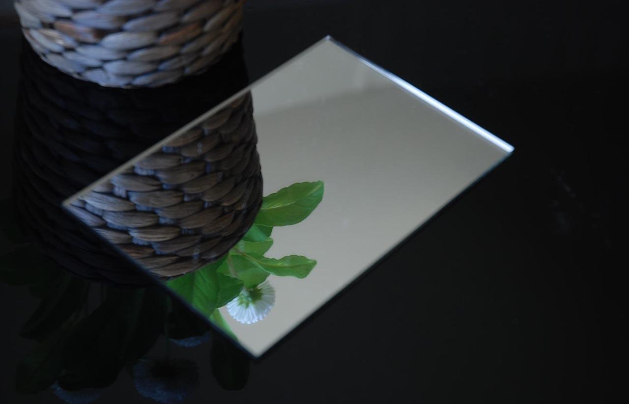 tấm nhựa mica gương bóng tráng bạc