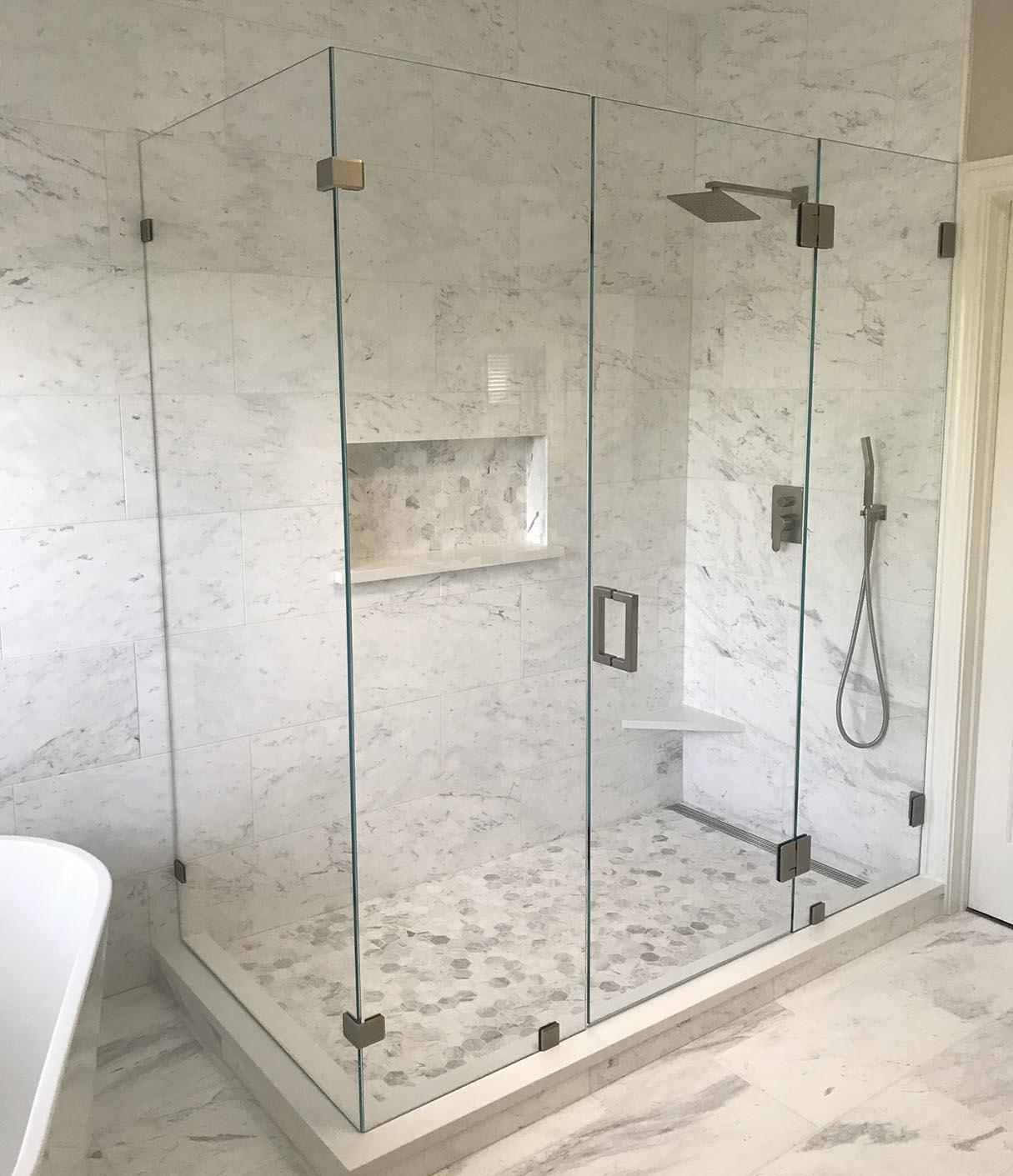 Lợi ích khi dùng tấm mica làm vách ngăn phòng tắm
